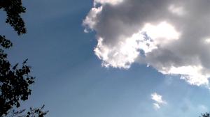 20140712XD-Cloud_w_Sunbeams-ZoomedIn(ReNewedPC (31))