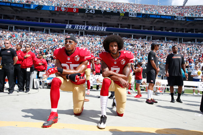 colin-kaepernick-takes-knee-650-433